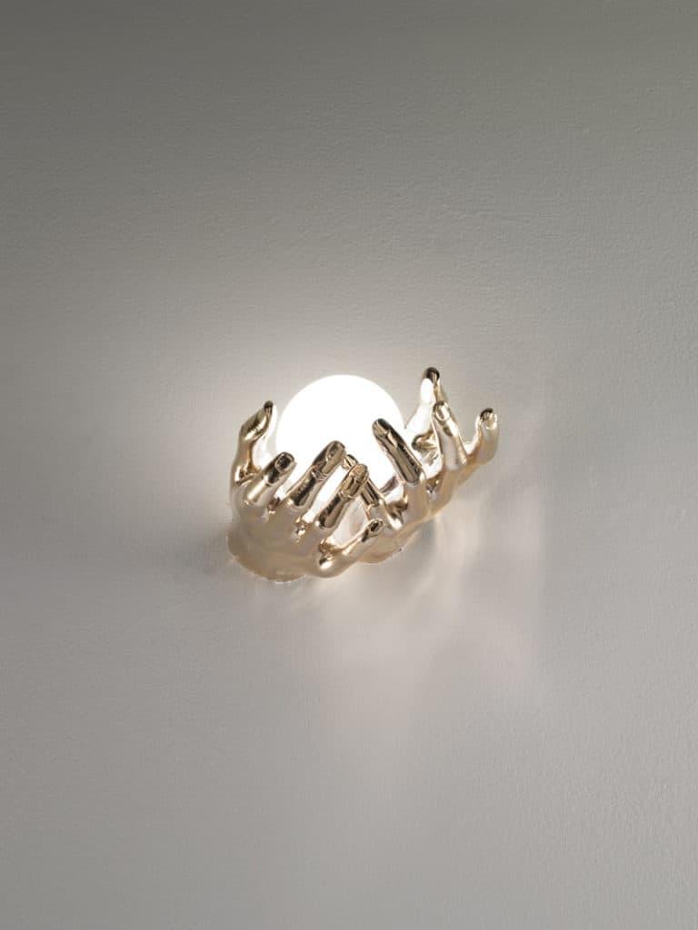 mani-bronzo-2-applique-lampade-parete-muro-design-classiche-lusso-vetro-murano-artigianali