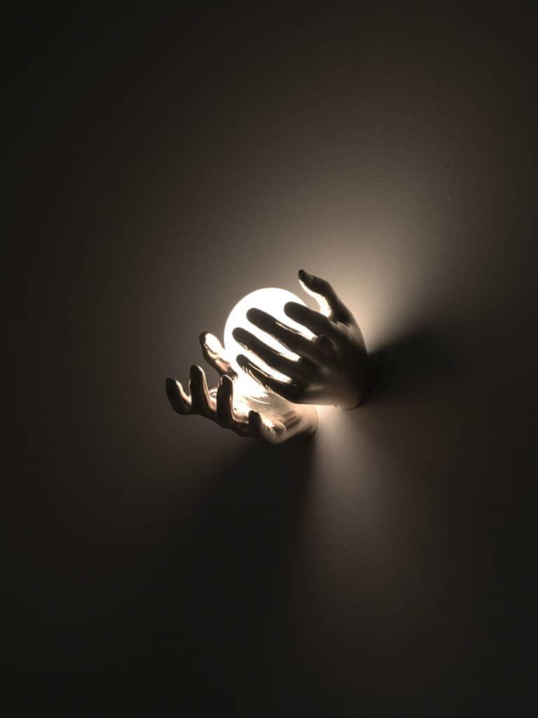 mani-bronzo-4-applique-lampade-parete-muro-design-classiche-lusso-vetro-murano-artigianali