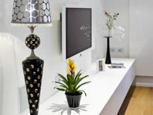 Private-villa-forte-dei-marmi-2-unusual-table-lamps-design-luxury-lighting-murano-glass-chandelier-from-italy-venetian-gold-high-end-lighting-brands