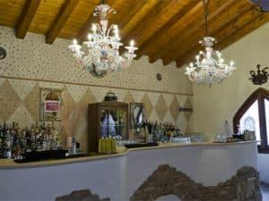 murano-glass-chandelier-Milan-lounge-bar-italy