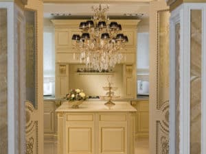Private-palace-Moscow-4-luxury-lighting-bronze-gold-chandelier-from-italy-venetian-gold-high-end-lighting-brands